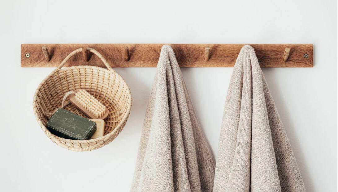 Für ein besseres Ordnungssystem sind Duschtücher mit Namen erforderlich